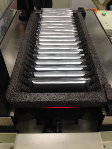宸天有限公司 綠能產業應用(鋰鐵電池) #片狀電芯、18650圓柱狀電池、矩形電池